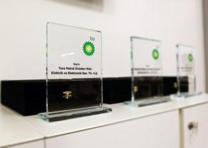 TORA Petrol'e BP'den 2016 SEC-G Birincilik Performans ödülü Verildi